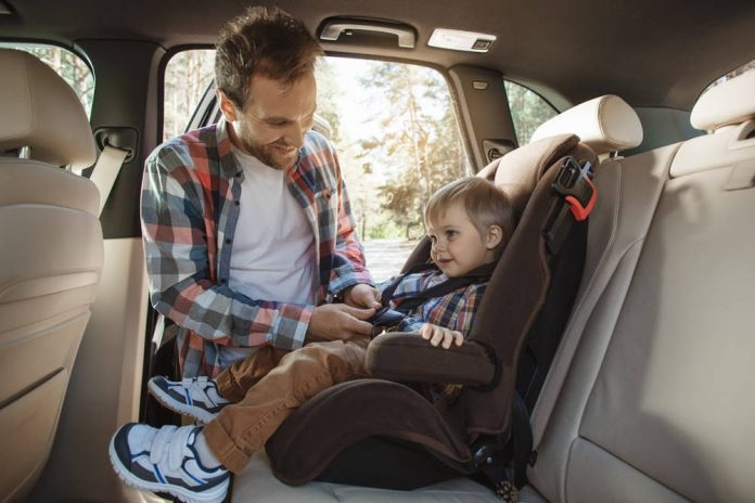 Montaż fotelika samochodowego – podstawowe zasady