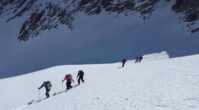 Skitouring dla początkujących – co kupić, jak zacząć i o czym pamiętać?